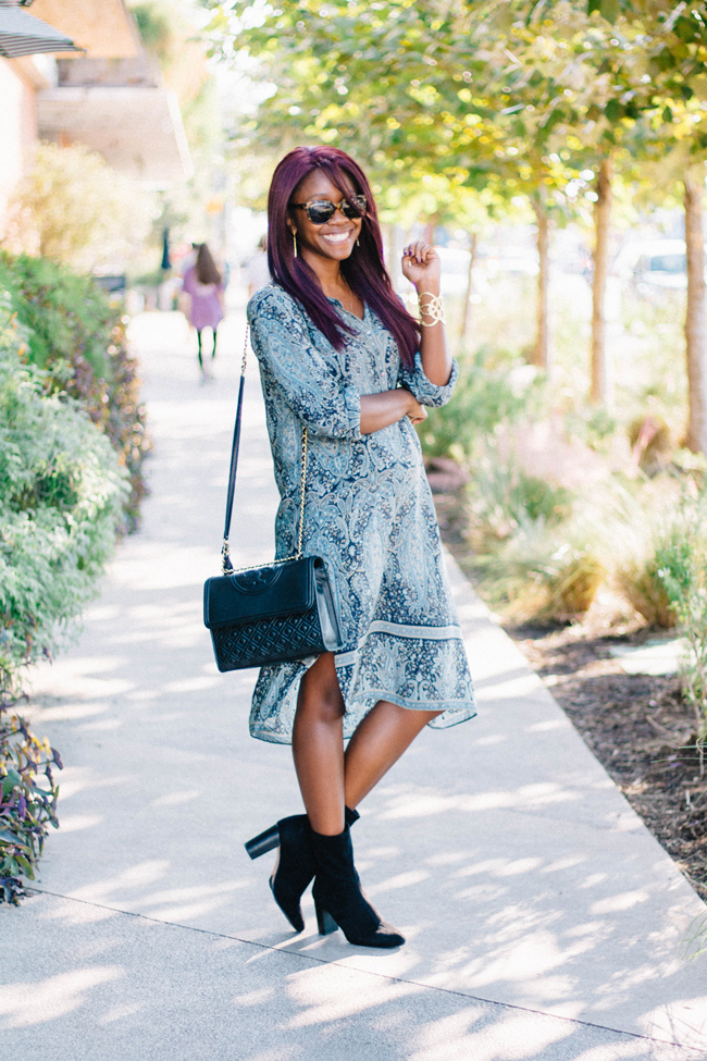 D.C. blogger Alicia Tenise styles the Calypso St. Barth Blue Paisley Dress from Rent the Runway