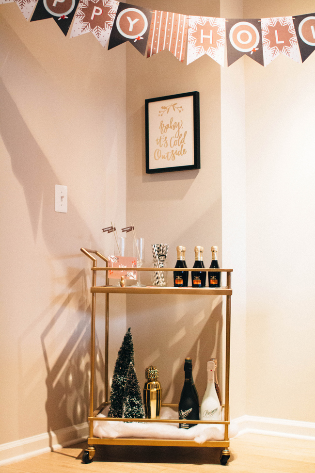 How To Host A Holiday Party On A Budget Alicia Tenise