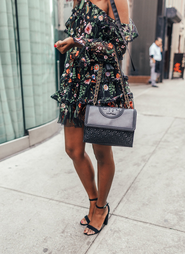 Tory Burch Fleming Crossbody Bag in Black - Steve Madden Carrson Sandal - @aliciatenise