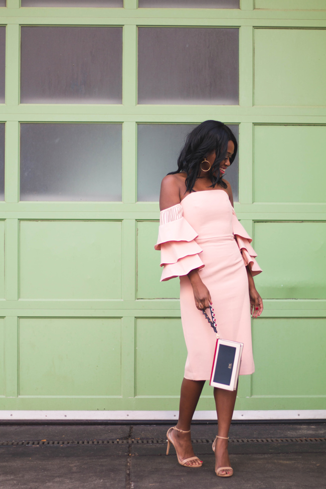 D.C. style blogger Alicia Tenise wears the Talulah Sunny Ruffle Dress