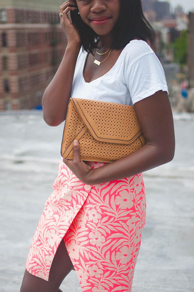J.Crew Crossover Pencil Skirt, j.mclaughlin texture clutch, madewell t-shirt, taudrey social media necklace, dc blogger, style blogger, gorjana taner necklace