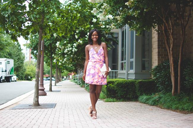 mint julep boutique, floral dress, woc blogger, dc blogger, virginia fashion blog, laser cut clutch, ann taylor metallic wedges, summer date night outfit