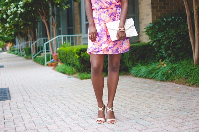mint julep boutique, floral dress, woc blogger, dc blogger, virginia fashion blog, laser cut clutch, ann taylor metallic wedges, summer date night outfit