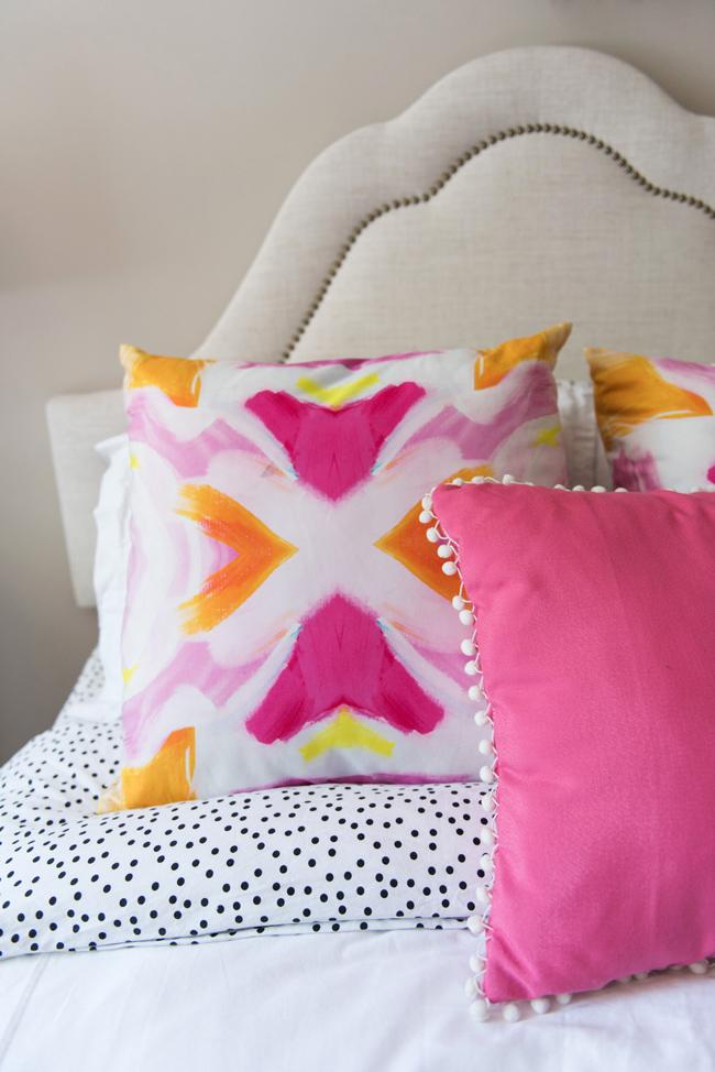 pink pom pom pillow, polka dot sheets, preppy bedroom decor