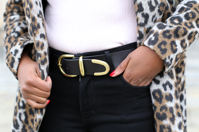 Belt and High Rise Jean Trend 2017