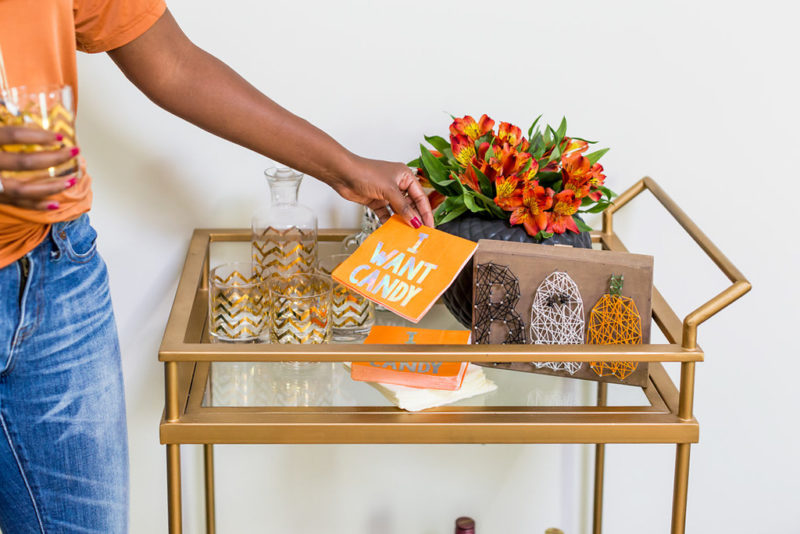Halloween Entertaining Ideas - Frightful Halloween Decorations Ideas: How to Decorate Your Apartment for Halloween by Washington DC style blogger Alicia Tenise