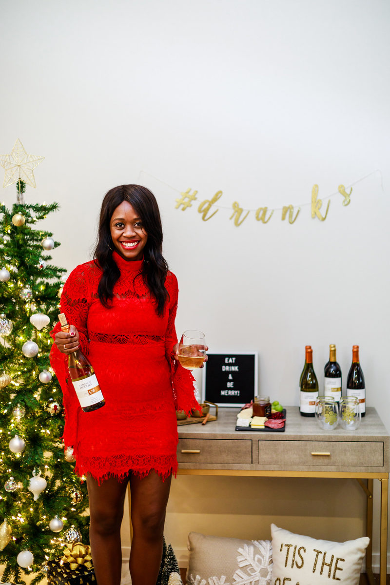 Holiday Entertaining Inspiration - Holiday Entertaining: How to Throw the Perfect Holiday Party by Washington DC style blogger Alicia Tenise