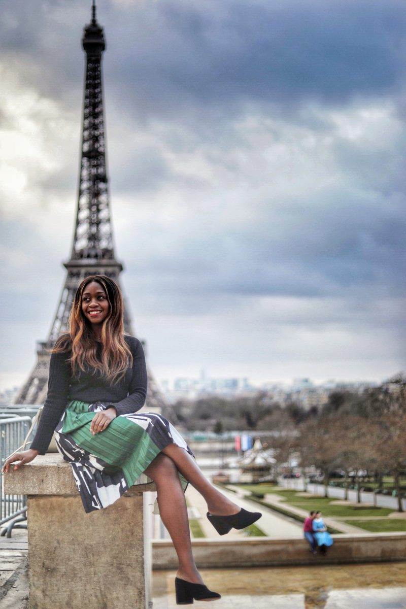 Paris Travel Tips, Travel Blogger at Eiffel Tower - 5 Paris Tourist Traps to Avoid by popular travel blogger Alicia Tenise