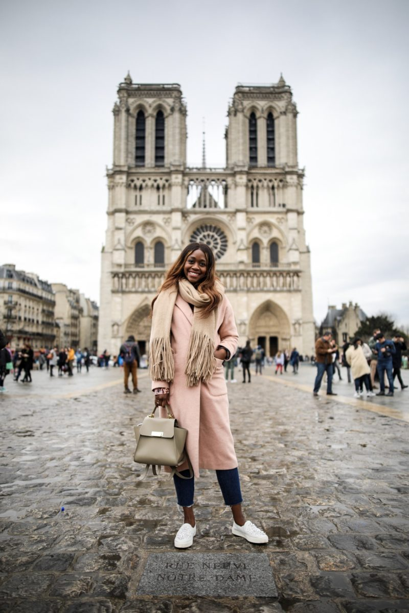 5 Paris Tourist Traps to Avoid by popular travel blogger Alicia Tenise
