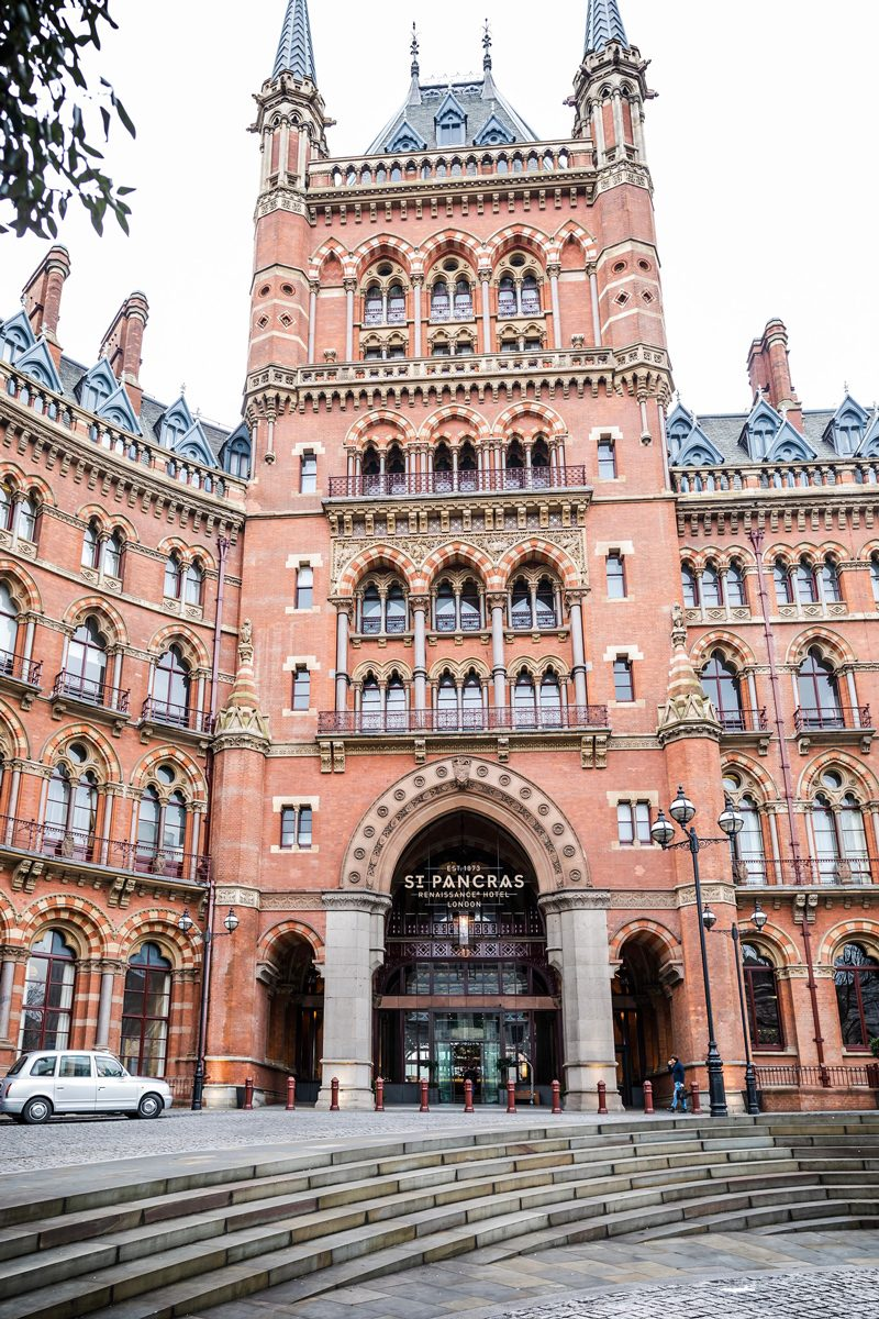 St Pancras International - 12 Hours in London by popular DC travel blogger, Alicia Tenise