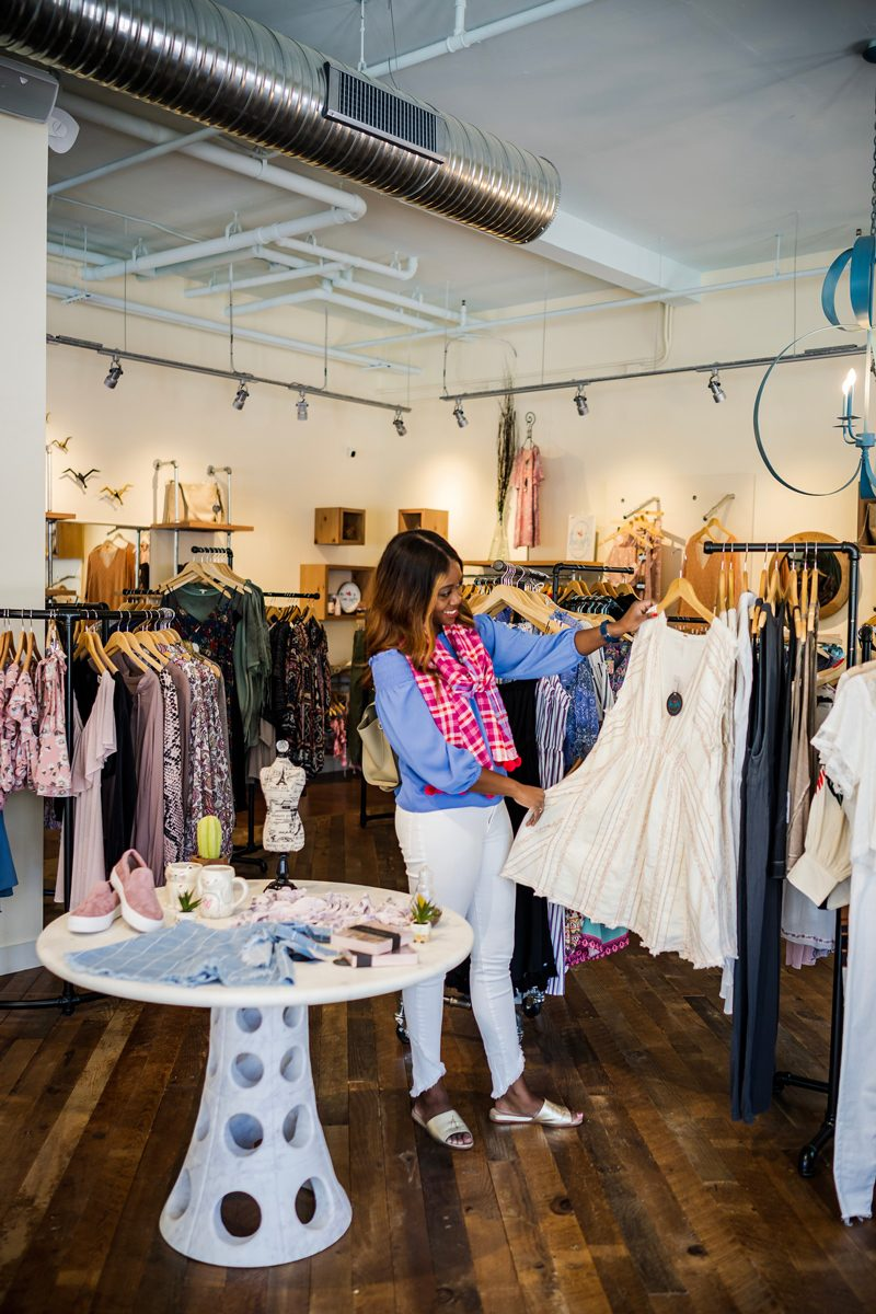The Ultimate Williamsburg Travel Guide featured by popular DC travel blogger, Alicia Tenise