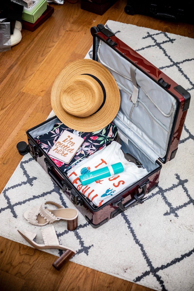 What's in my Andiamo Luggage Carry On - 5 Cool Technology Gadgets I Won't Travel Without featured by popular DC travel blogger, Alicia Tenise