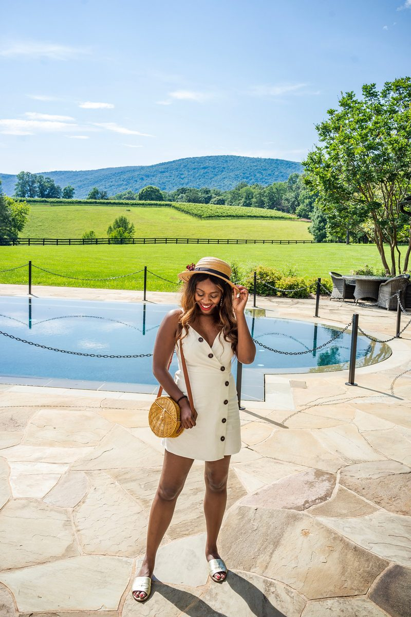 How to Wear a White Linen Dress - 4 Reasons Why Moving To A New Place Helped Me Grow featured by popular DC blogger Alicia Tenise