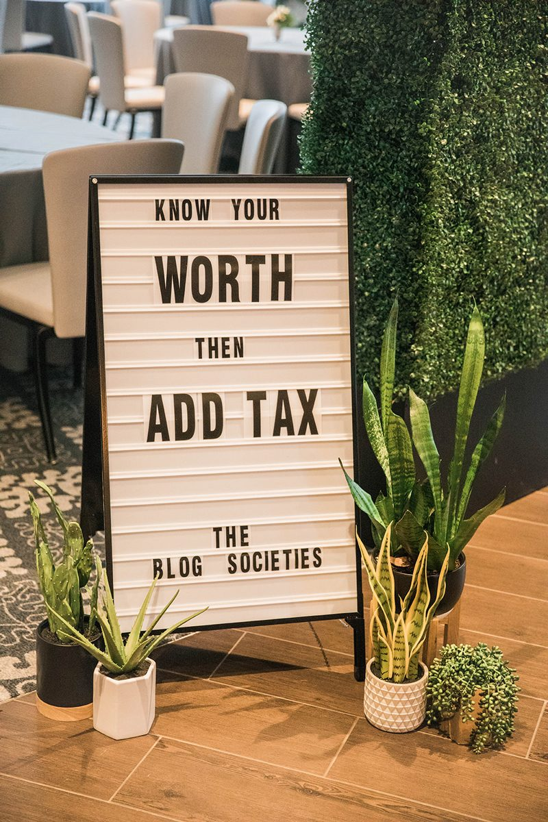5 Travel Blogging Tips I Shared at #TBScon featured by popular DC travel blogger Alicia Tenise