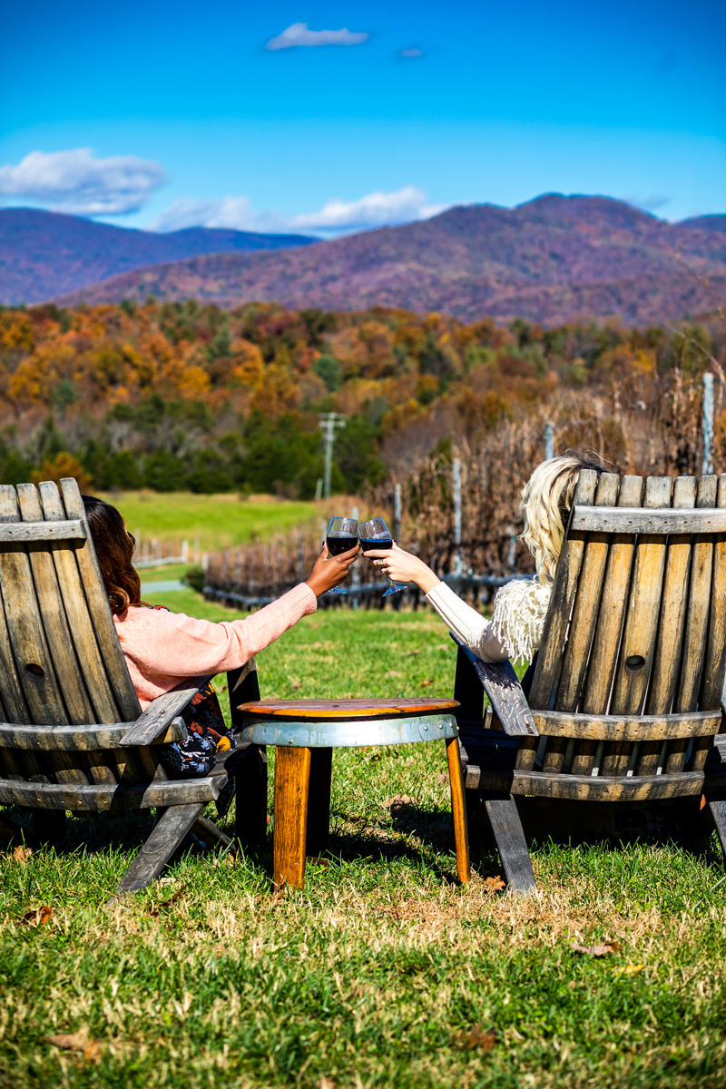 Stinson Vineyards | What to Wear to a Winery featured by to Virginia fashion blog Alicia Tenise