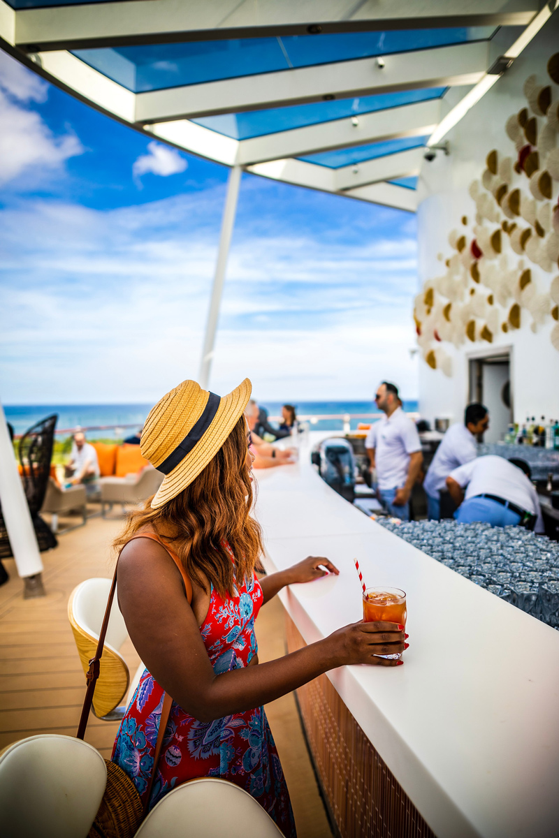 Sunset Bar Celebrity Edge | Top DC Travel Blogger Alicia Tenise exclusively reviews the brand new Celebrity Edge cruise ship