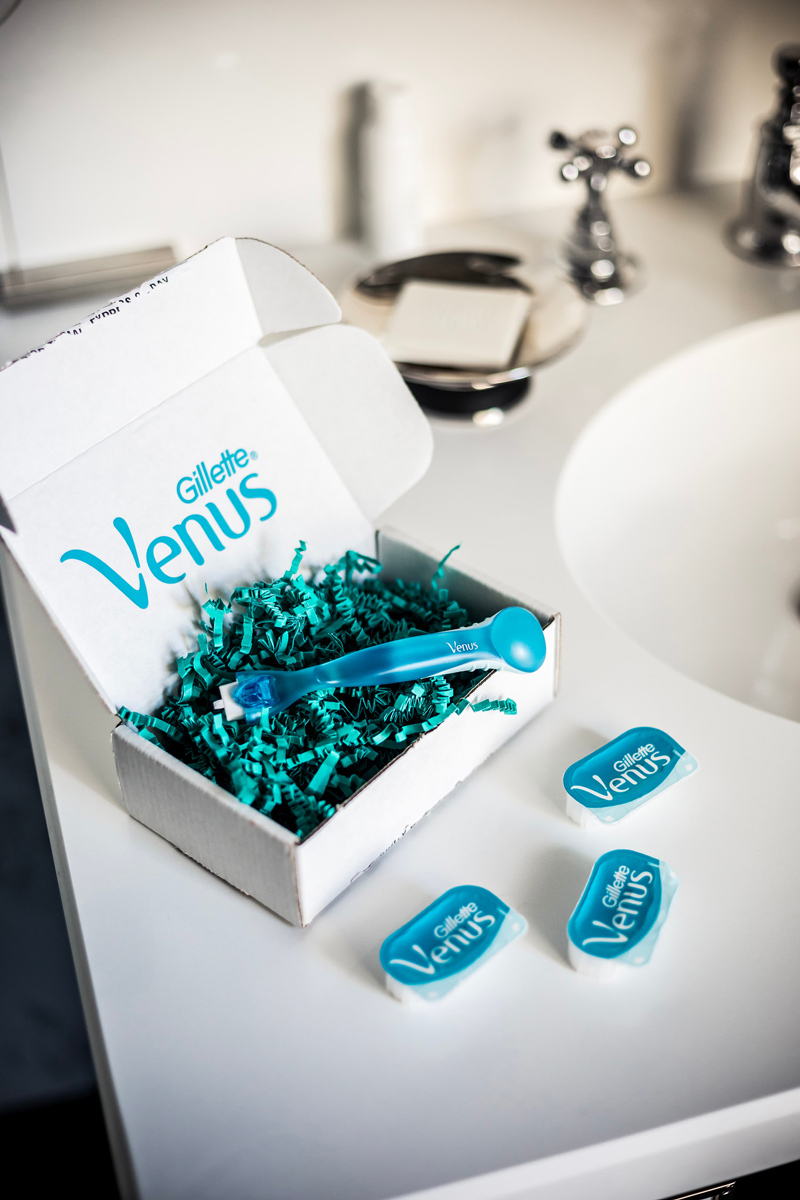 Gillette Venus Direct Review, the new subscription service for women featured by top US lifestyle blogger, Alicia Tenise: image of Venus razors for women