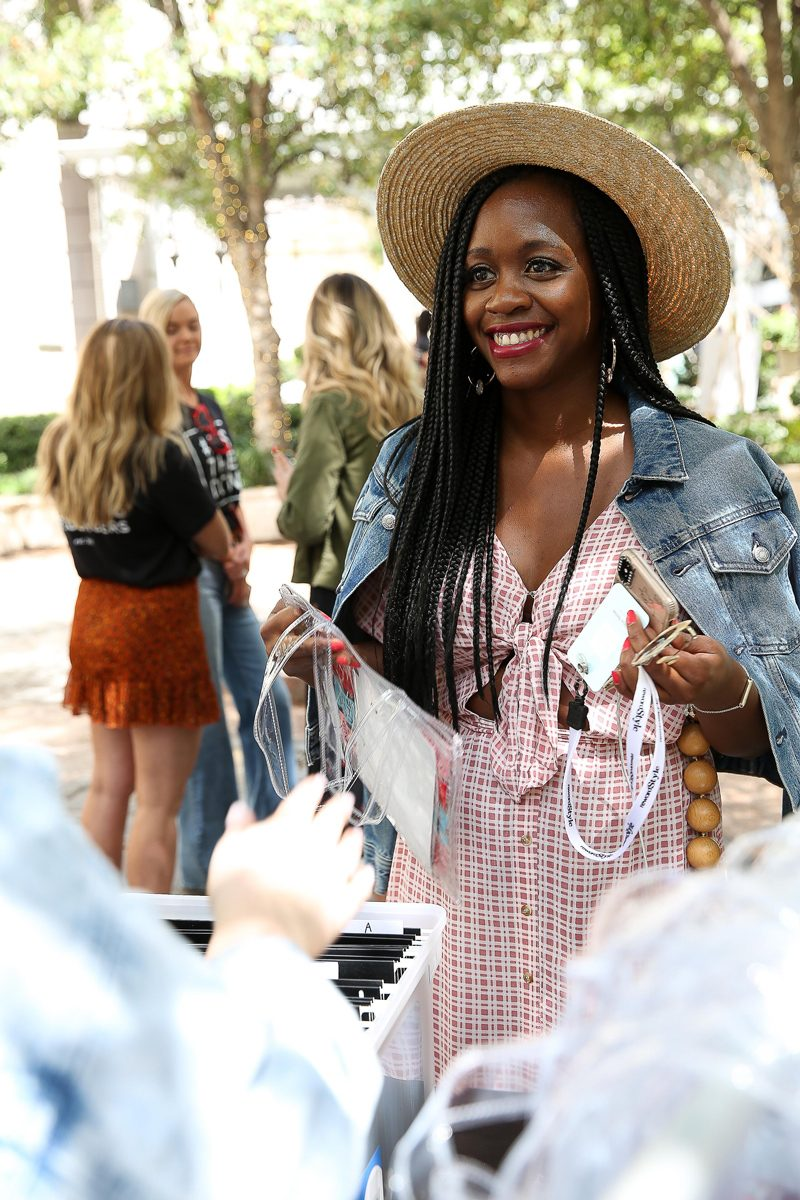 rsTheCon 2019 Review featured by top US fashion blogger, Alicia Tenise: image of a woman wearing a FAITHFULL THE BRAND check midi dress