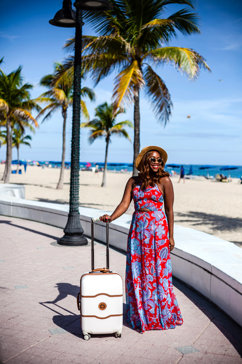 Paradise Coast in Florida travel guide featured by top US travel blogger, Alicia Tenise.